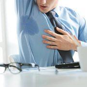 مزایا و معایب استفاده از دئودرانت و ضدتعریق ها برای رفع بوی عرق